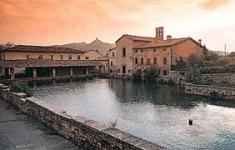 Italy > Tuscany > Bagno Vignoni travel guide, Bagno Vignoni tourist ...
